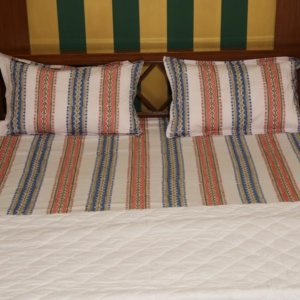 Hand Block Printed 180TC Cotton Bed Sheet Set with  2 Pillow Covers